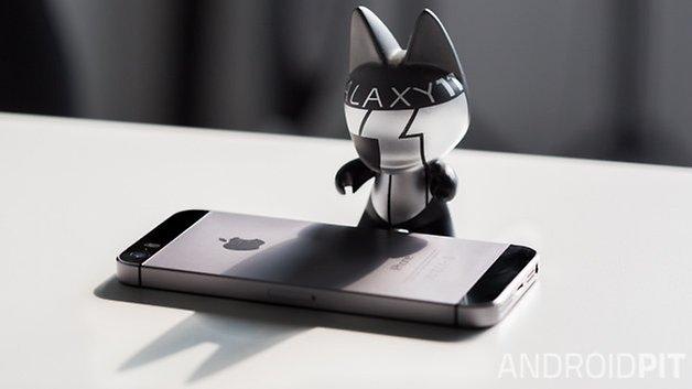 BATMAN Galaxy11 vs iphone 5S 4