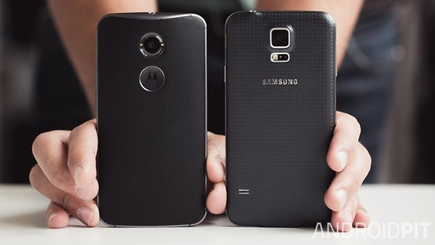 MotoX vs Samsung galaxy S5 back