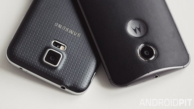 MotoX vs Samsung galaxy S5 cards camera