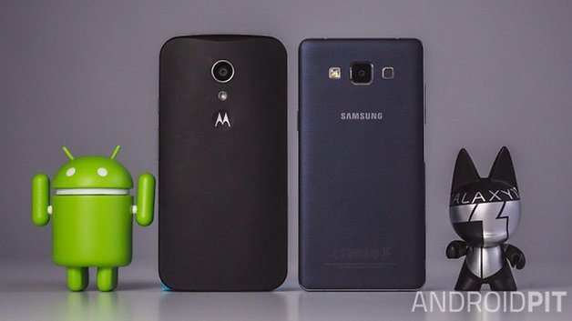 Moto G vs Samsung Galaxy A5 ANDROIDPIT backs
