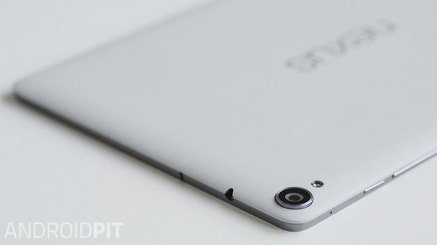 Nexus 9 2014 ANDROIDPIT white camera close up