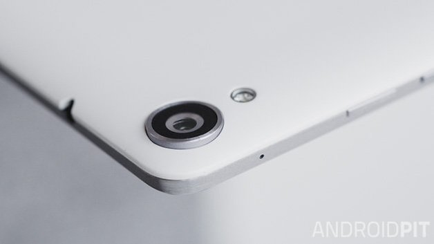 Nexus 9 2014 ANDROIDPIT white camera close up 12