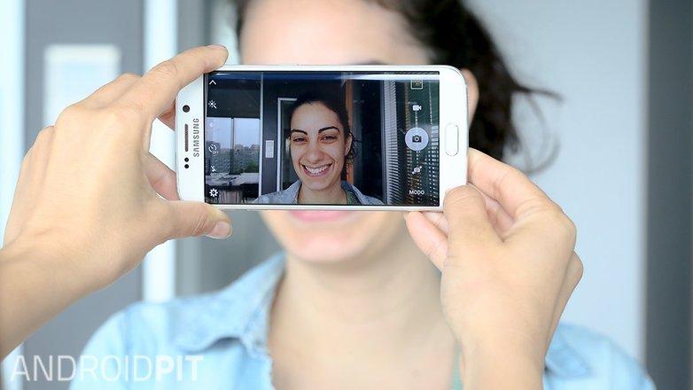 AndroidPIT smile Daria smartphone