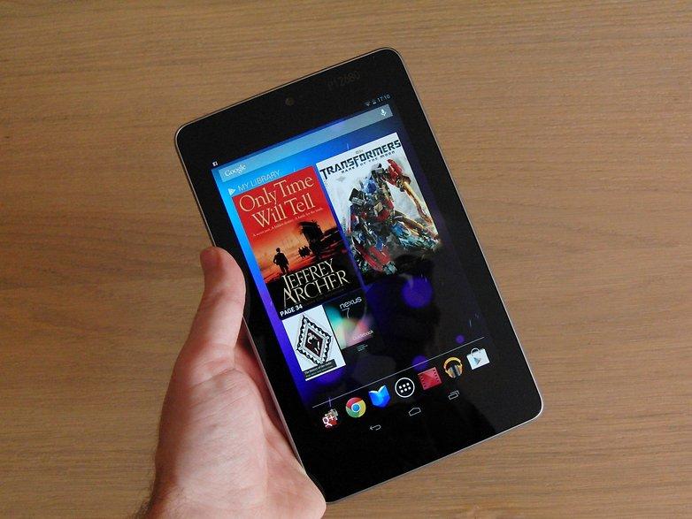 Google Nexus 7 in hand
