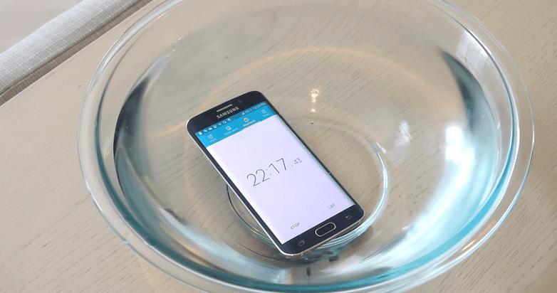 android samsung galaxy s6 edge etanche resistance a l eau image 01