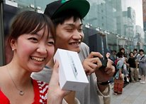"Apple Losing Steam in Key Asian Markets as ""iPhone Fatigue"" Sets In"