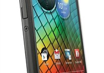 Motorola RAZR i: A Single-Core Phone with a Seriously Outdated Display