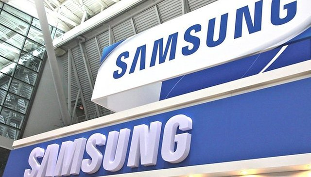 Samsung Ships Two Smartphones for Every iPhone Sold