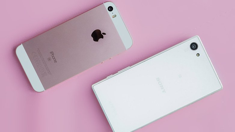 androidpit sony xperia z5 compact vs iphone se hero