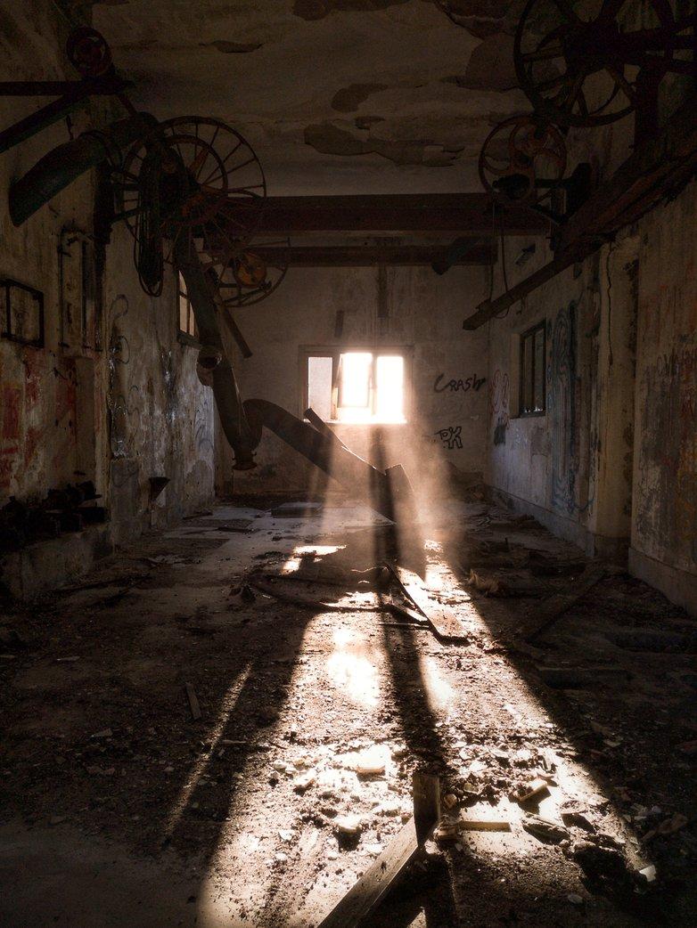 8 Fabrica abandonada