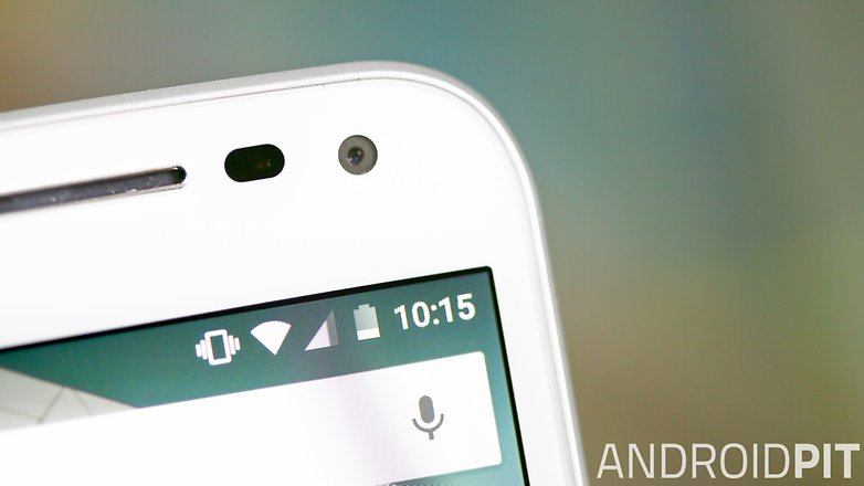 Moto G 2015 front camera 1 2