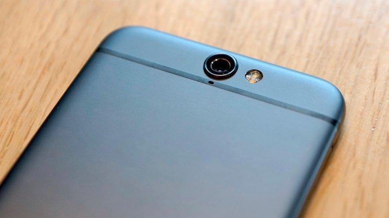 HTC One A9 camera flash