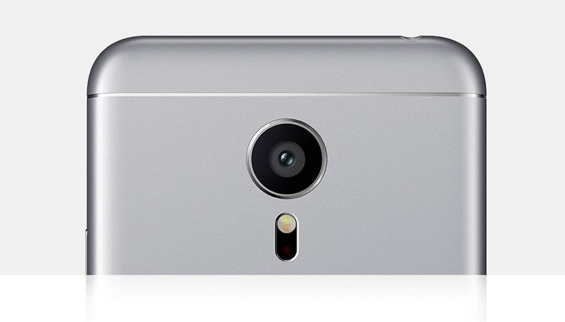 Este smartphone compacto pode tirar a supremacia da Sony na categoria