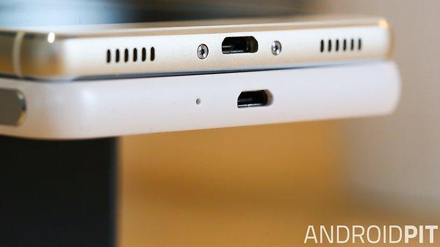 Während das Gehäuse des Huawei P8 komplett aus Alu besteht, fehlt beim Honor 6 Plus der untere Teil.