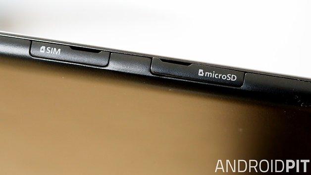 Dank microSD-Kartenslot lässt sich der spärliche interne Speicher mit 16 GB noch erweitern.