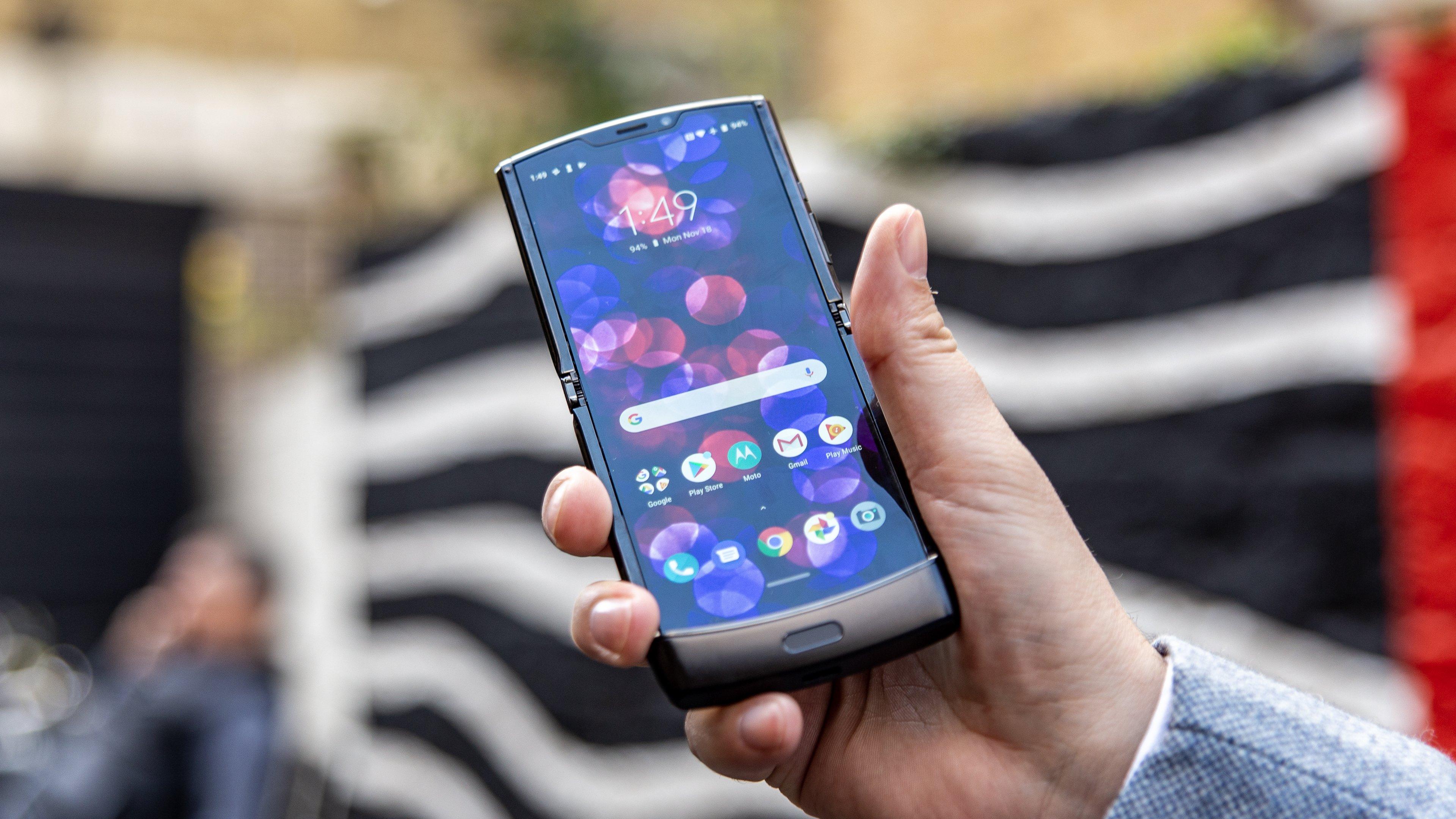 Motorola Razr im ersten Hands-on: So muss ein faltbares Smartphone sein