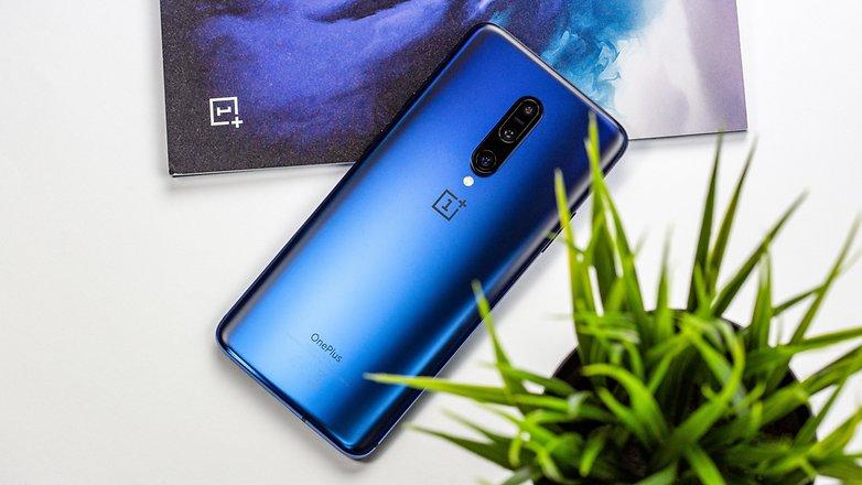androidpit oneplus 7 voller rücken blau