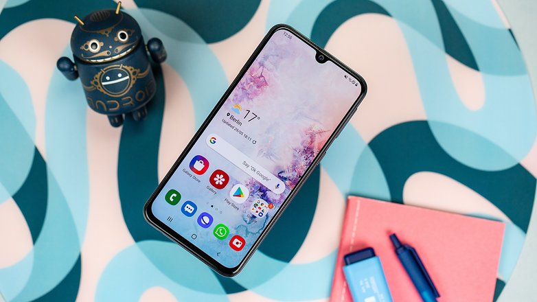 Samsung A40 front