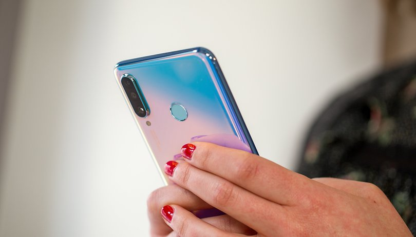 Huawei cancels its P40 Pro launch event in Paris