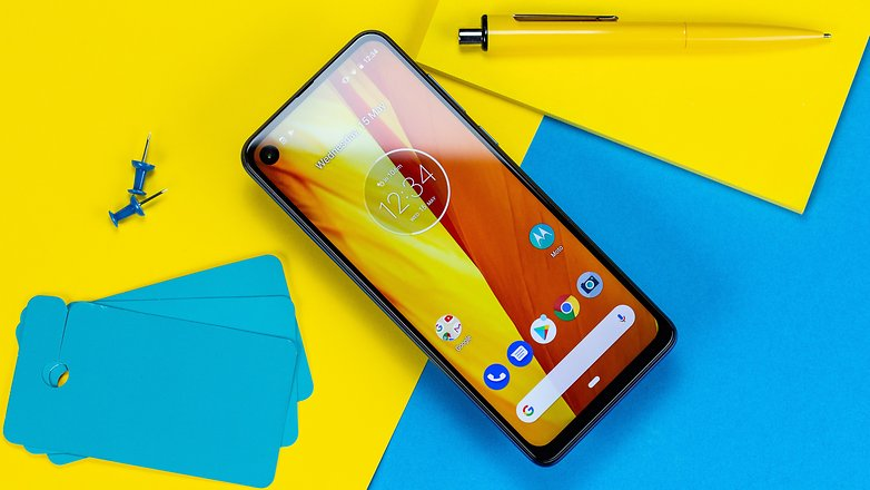 androidpit motorola one vision full front