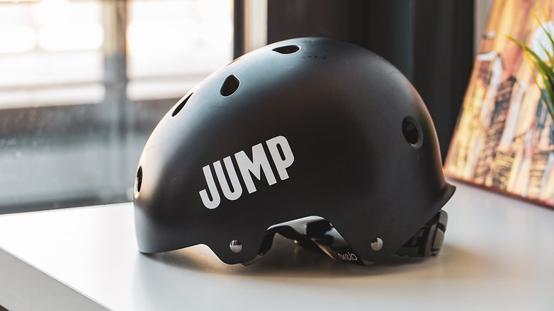 Uber hands out 200 free helmets as part of new JUMP safety