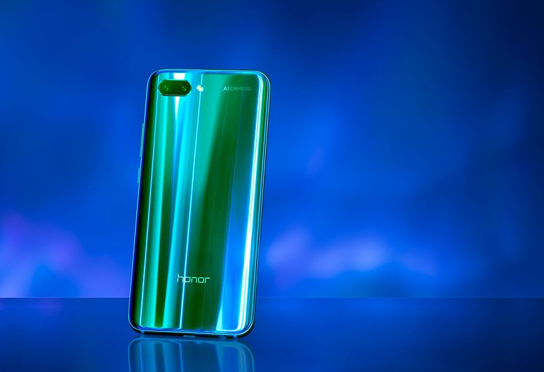 Honor10 PhantomGreen 03 preview