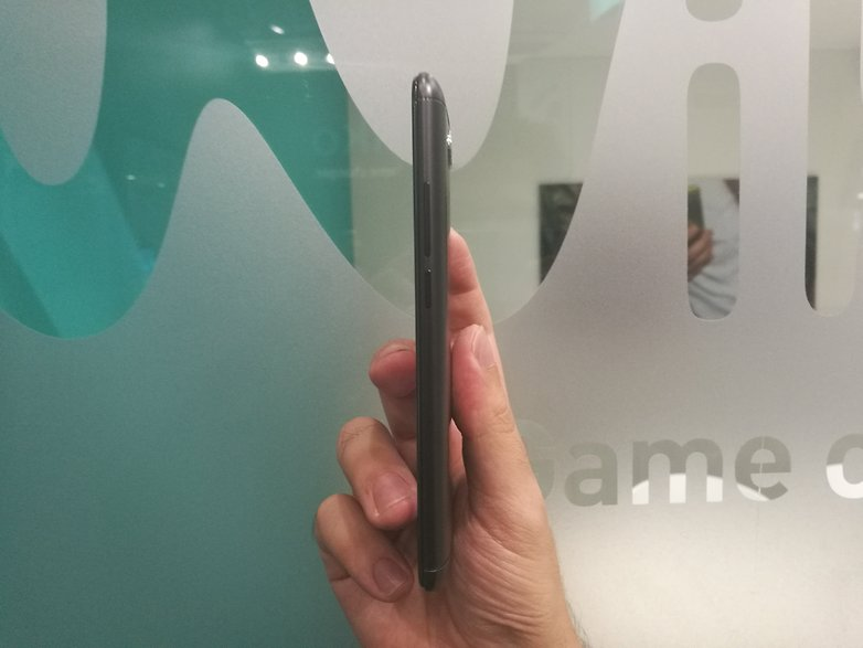 androidpit wiko ufeel prime side