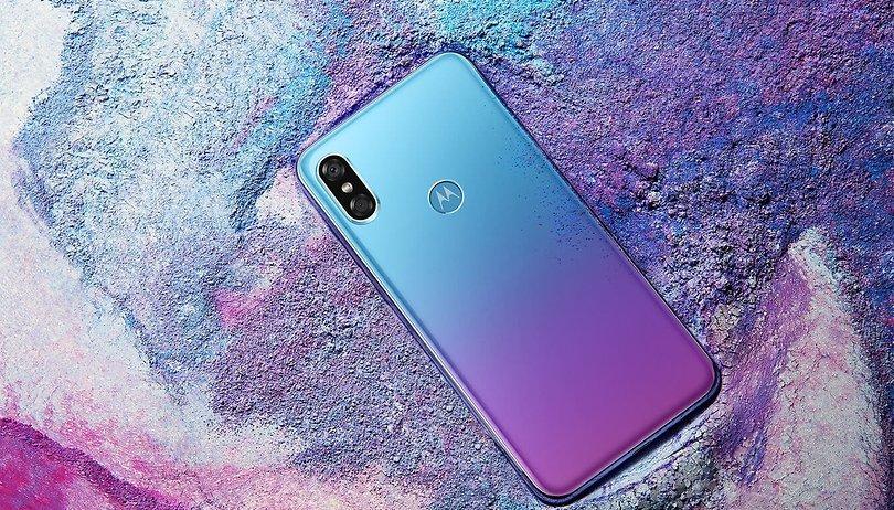 Avec le P30, Motorola officialise son clone de l'iPhone X et Huawei P20