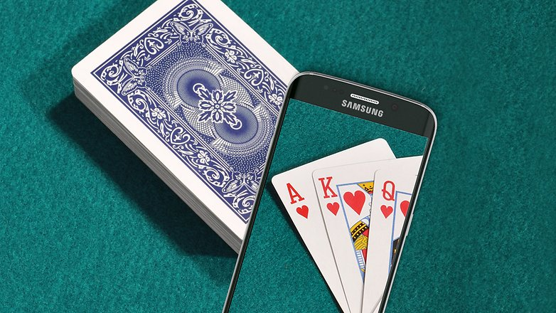 AndroidPIT USING phone playing cards