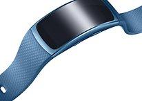 Völlig kabellos: Samsungs In-Ear-Kopfhörer Gear IconX und Fitness-Tracker Gear Fit 2 vorgestellt