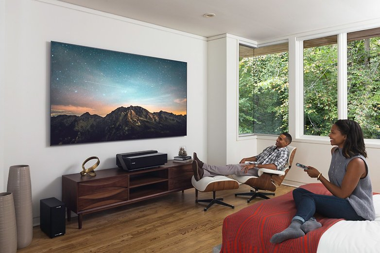 Ruang tamu akan menjadi pusat rumah pintar Anda berkat Hisense dan Alexa! / © Hisense
