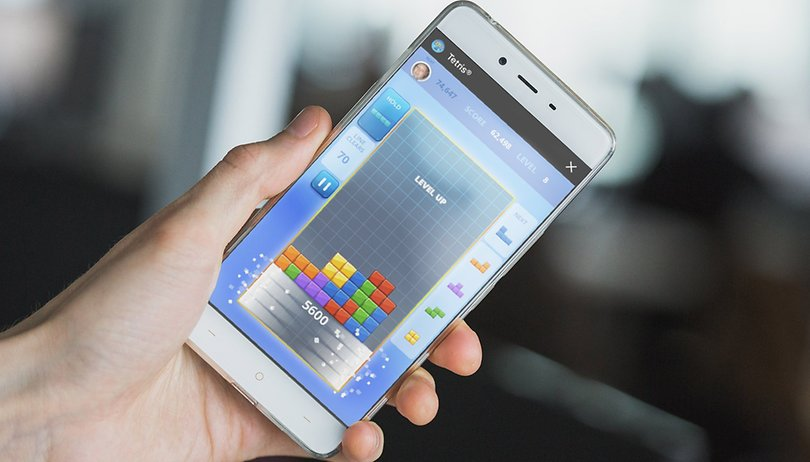 Avete provato Tetris su Facebook Messenger?  (addio weekend)