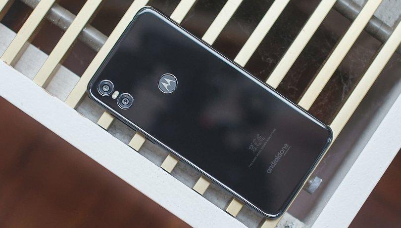 Test du Motorola One : 3 années de mises à jour vous suffisent-elles ?