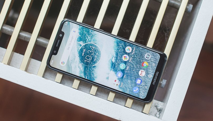 Motorola One: up to date software, out of date hardware