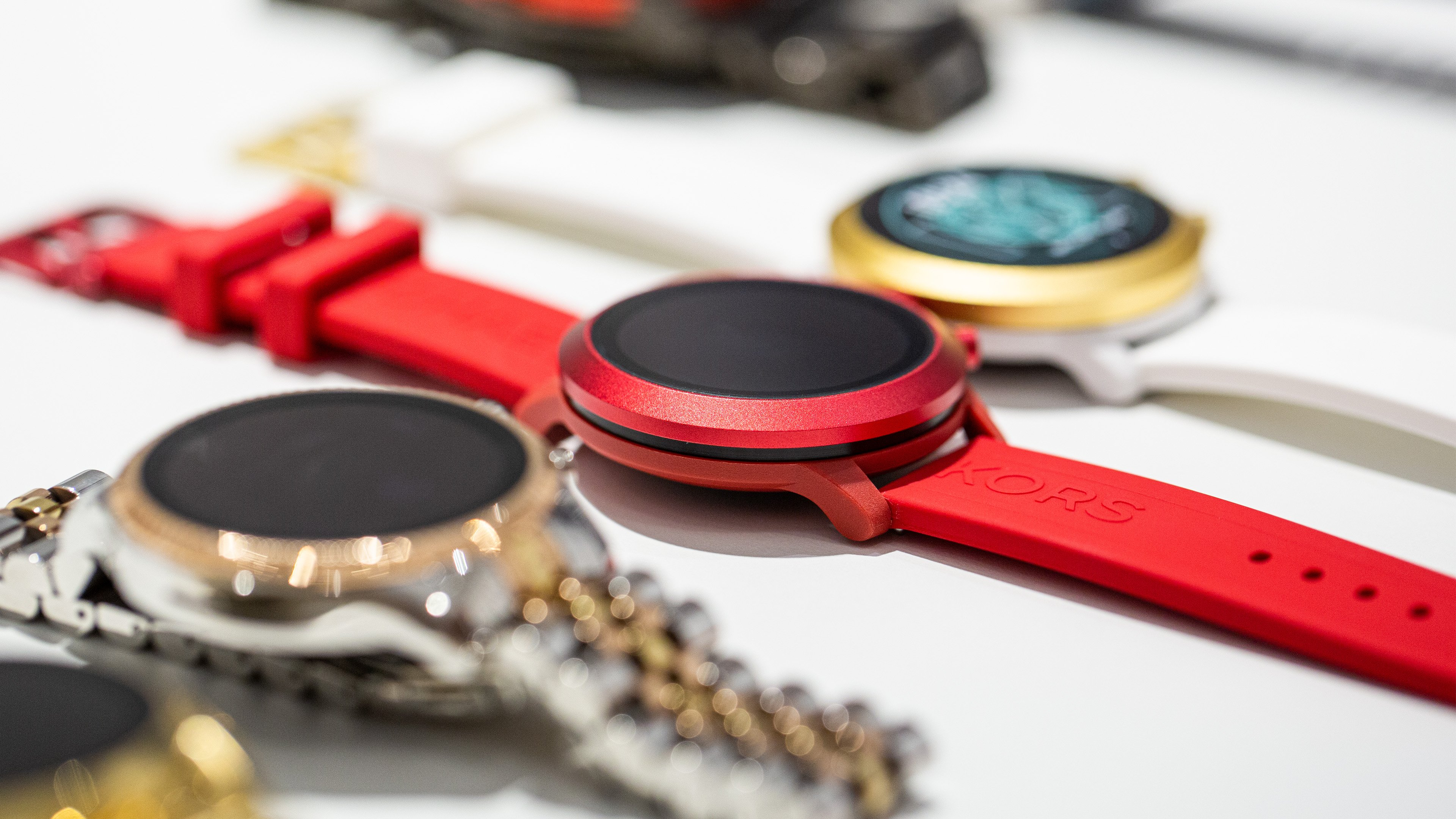 Neue Smartwatches von Diesel, Puma, Armani und Michael Kors