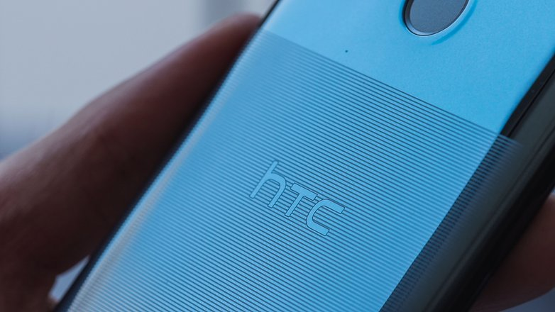 AndroidPIT htc u12 life back texture