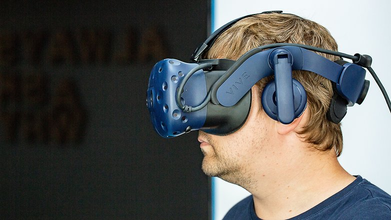 AndroidPIT htc vive pro side 3