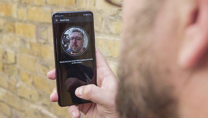 Face ID hin, Fingerabdruck her: Sichere Smartphones gibt es nicht