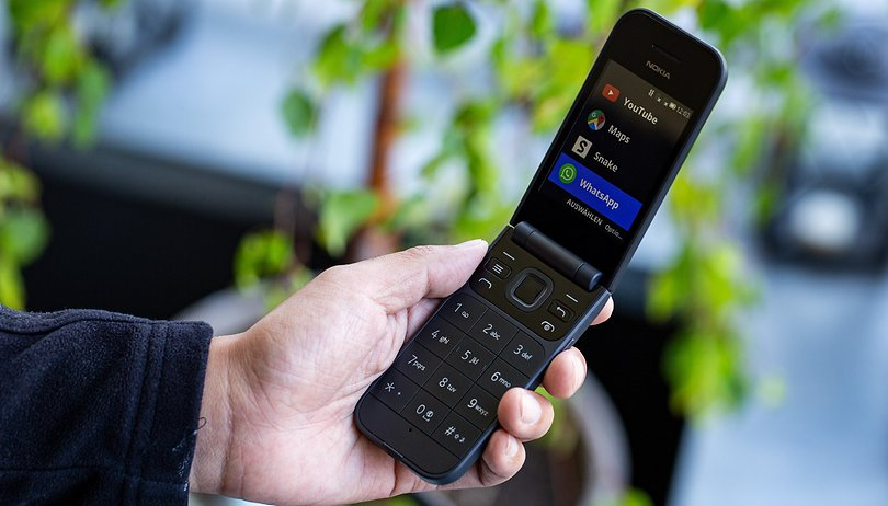 Nokia 2720 Flip and Nokia 800 Tough: Feature phones with special capabilities