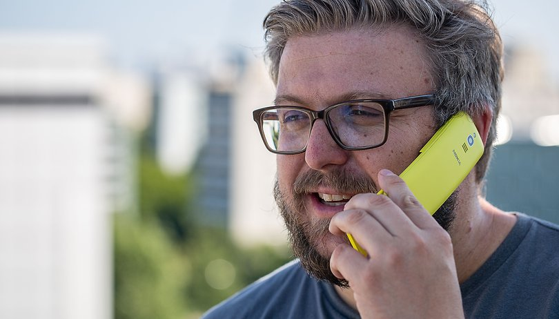 First days with the Nokia 8110 4G: Party like it's 1996!