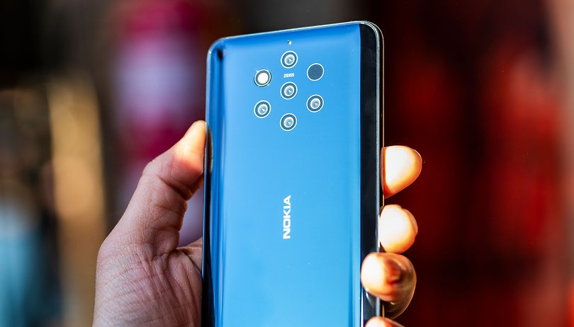 Uma olhada de perto no Nokia 9 PureView e suas cinco câmeras