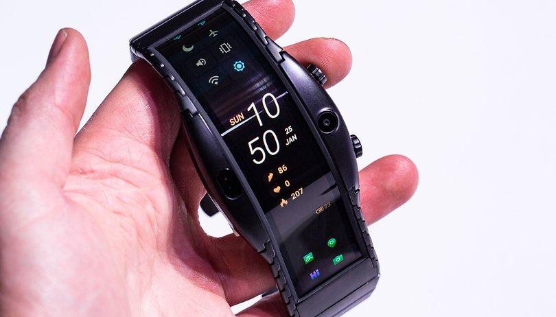Nubia Alpha hands-on: l'incredibile smartwatch pieghevole