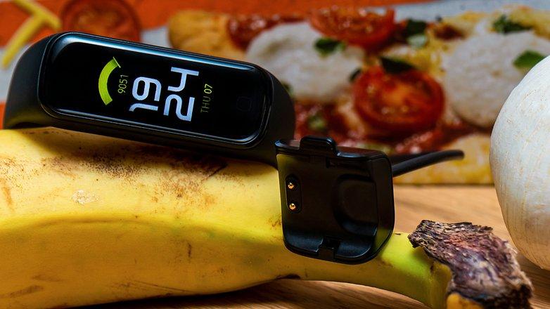 NextPit Samsung Galaxy Fit 2 Ladekabel