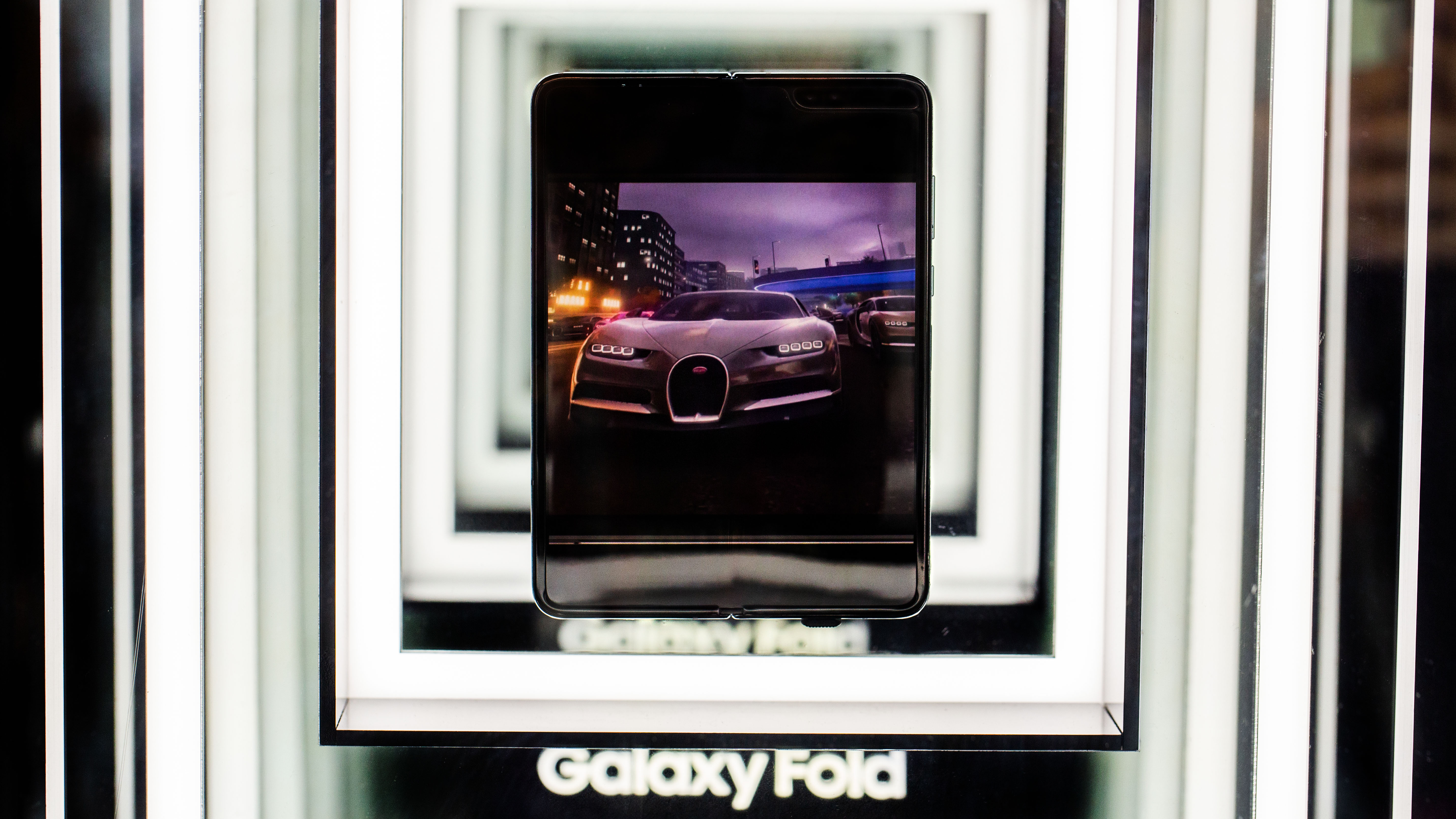 Samsung Galaxy Fold in ersten Videos: Das ist die Zukunft