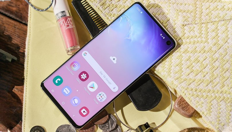 How to download all of the Galaxy S10 wallpapers