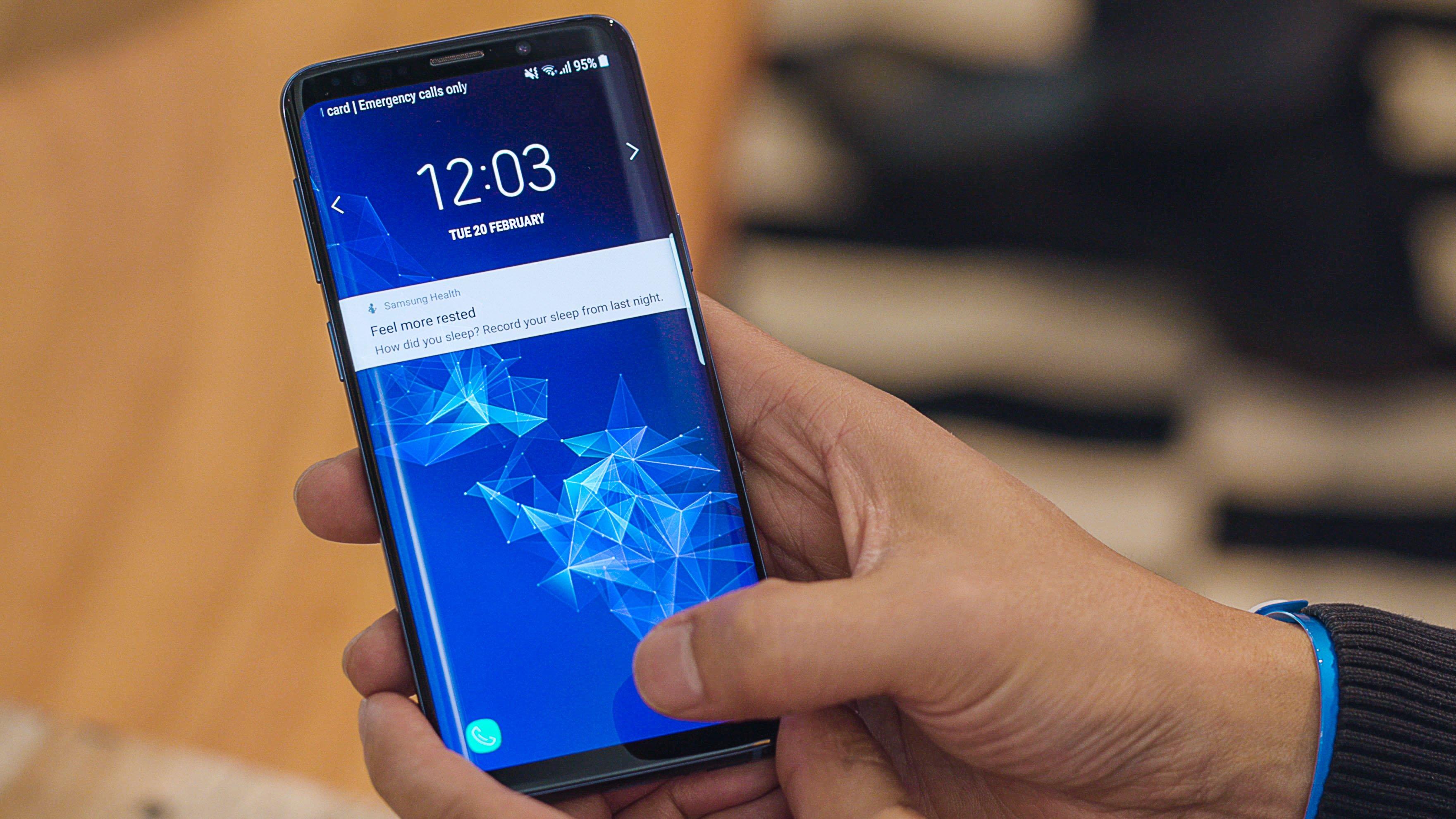 Apple IPhone Xr Vs Samsung Galaxy S9 : Le Duel éternel