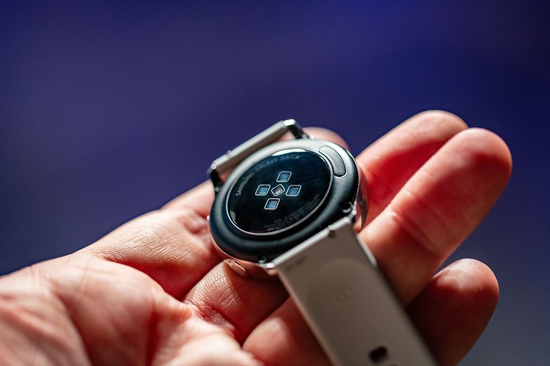 AndroidPIT samsung galaxy watch active back