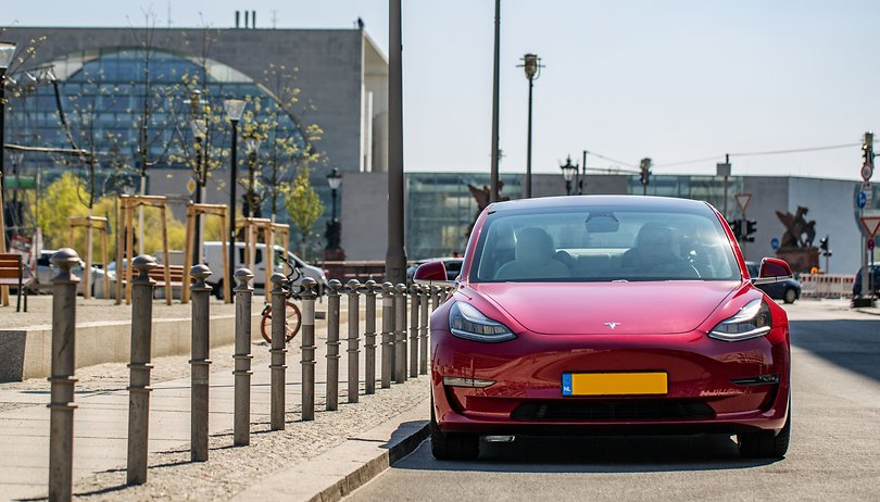Gone in 30 seconds! It's possible (and quite easy) with a Tesla