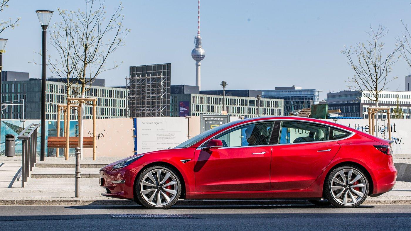 Wie sicher ist ein Tesla Model 3? Extrem sicher, sagt der Crashtest!