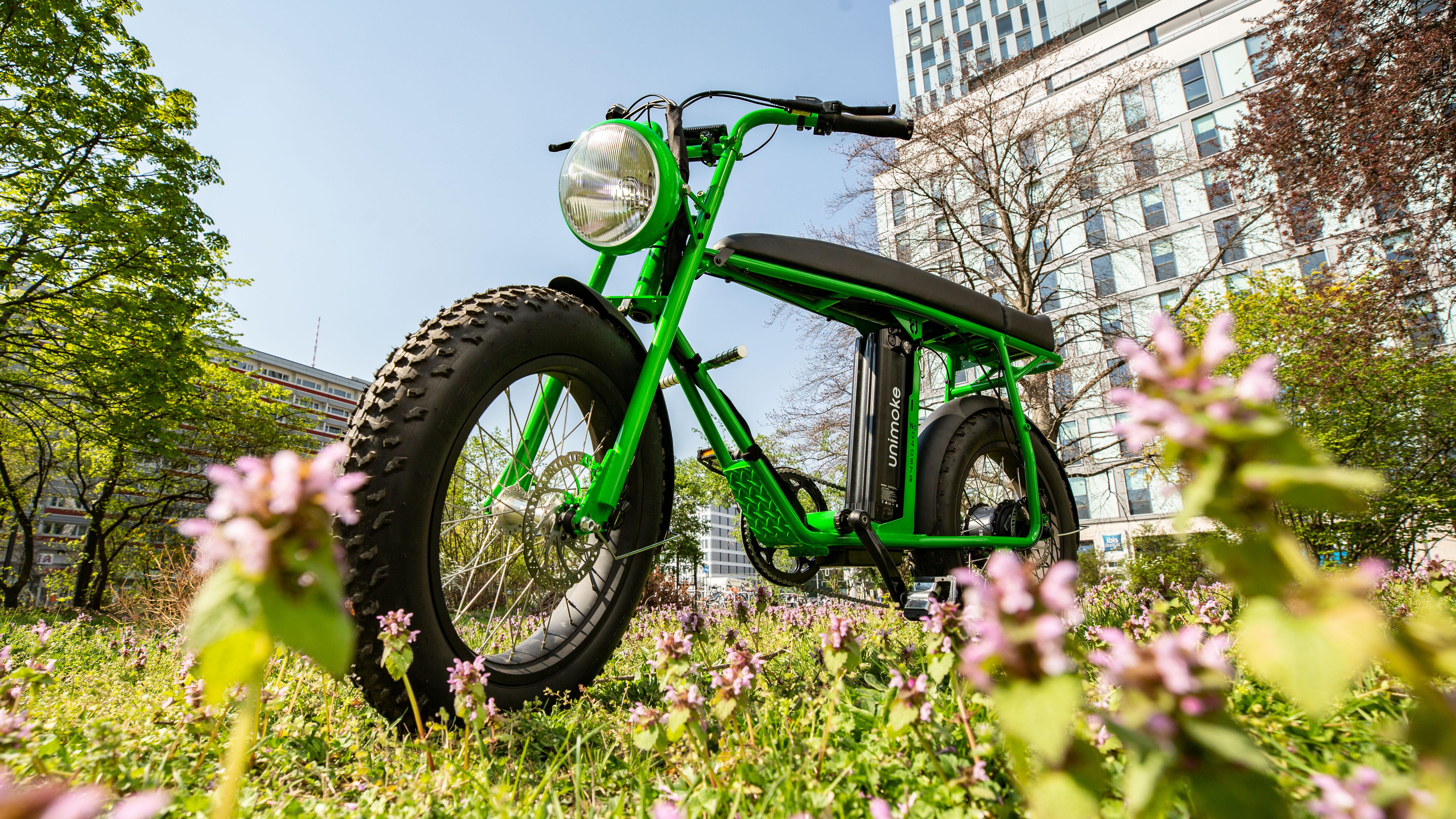 Raus aufs Rad - und zwar mit diesen 7 tollen E-Bikes!